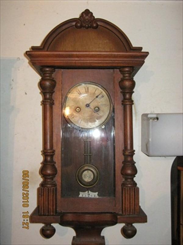 Odkucaji starog sata ZIDNI-STARI-SAT-IZ-1918-GODINE_slika_O_371447